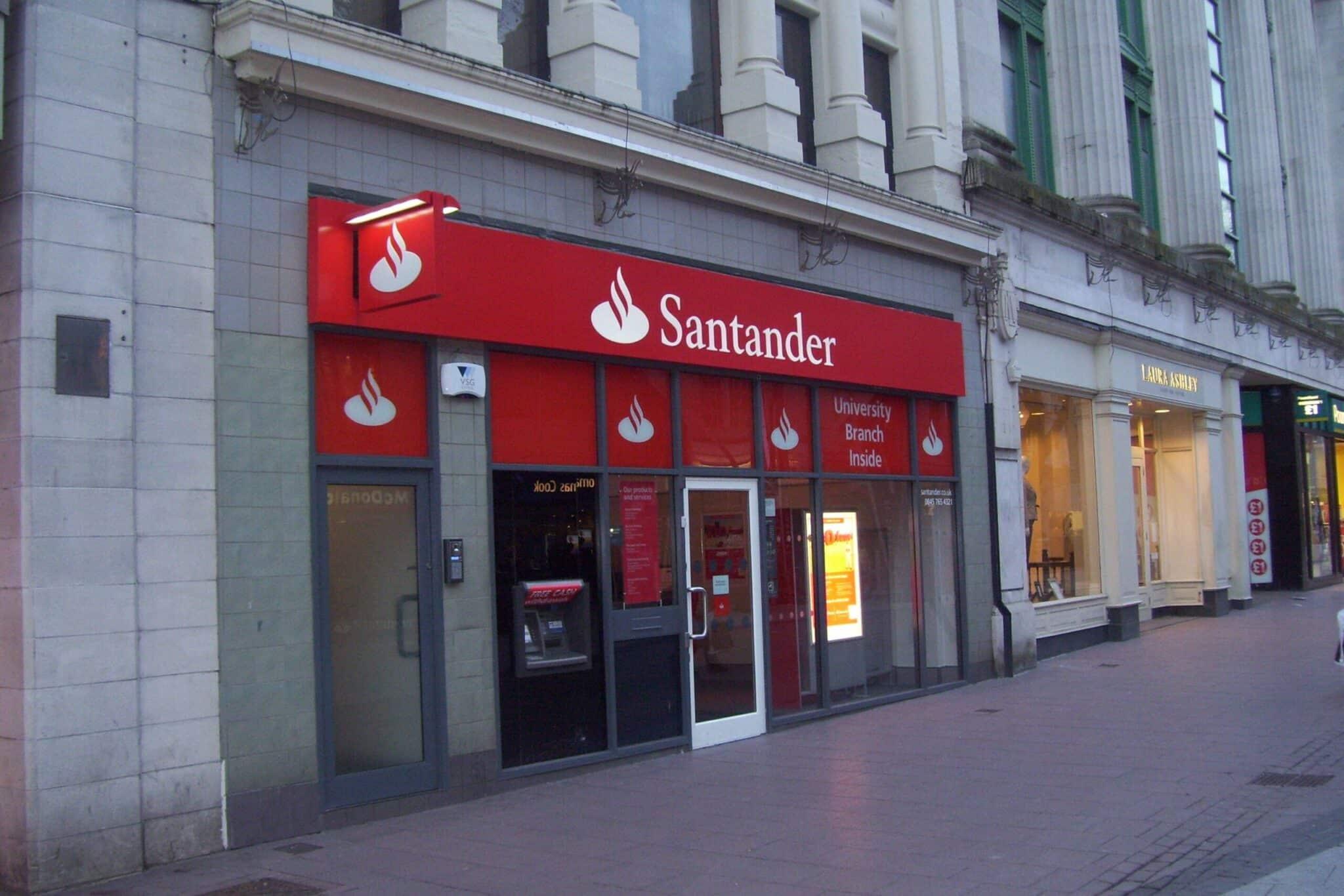 atención al cliente en el banco santander